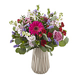 FTD Sympathy flowers for sending to the family residence at a time of loss. These beautiful FTD sympathy bouquets and arrangements can be delivered same day in Canada.